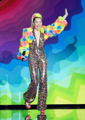 Miley Cyrus: 2015 MTV Video Music Awards in Los Angeles [adds]-38